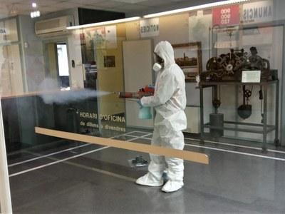 Benavent de Segrià du a terme tasques de desinfecció a l'Ajuntament per vetllar per la salut dels seus treballadors