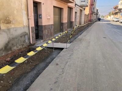 Benavent de Segrià efectua obres de millora en la canonada d'aigua potable i la vorera d'un tram del carrer Progrés